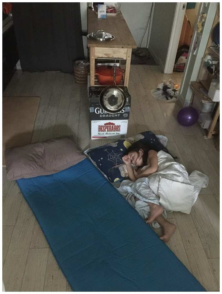 160804-013-Daughter-Sleeping-On-Floor