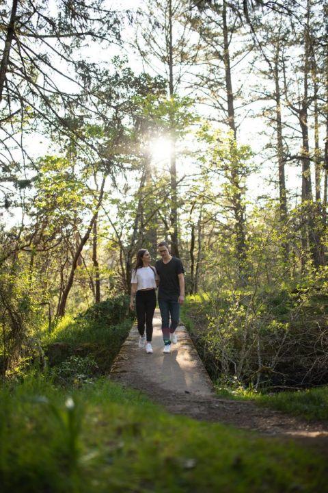 Victoria BC Couple Photographer Theits Lake Park