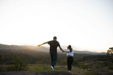 Couple Photographer Victoria BC Theits Lake Park
