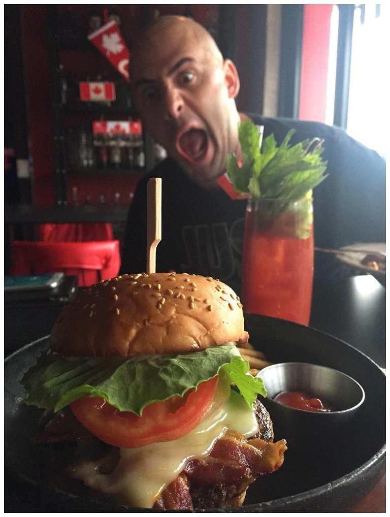 160804-009-Canucks-Itaewon-Burger