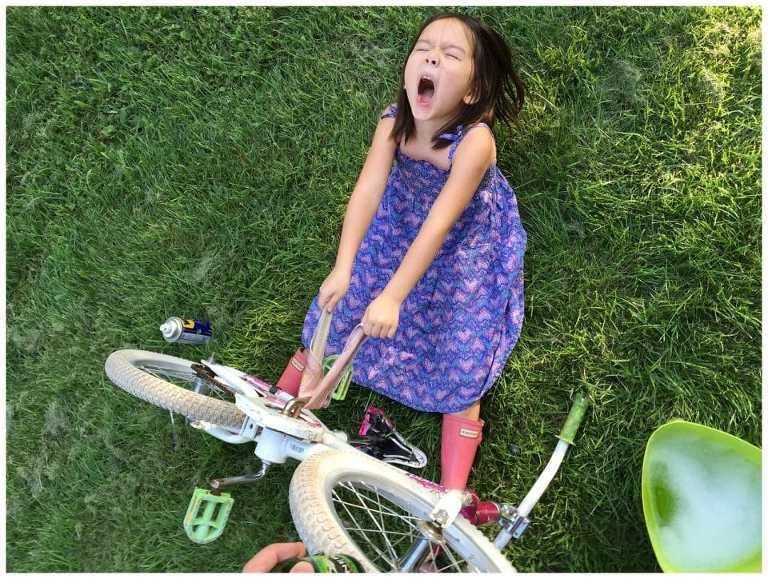 160805-007-Girl-Cleaning-Bike